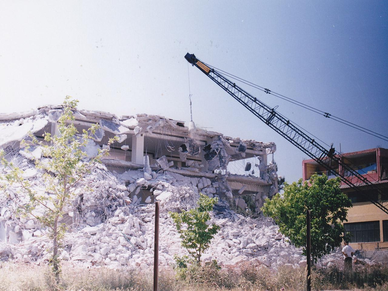 HIGH-RISE-BUILDING-DEMOLITION-2